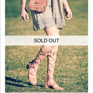 SOLD OUT ONLINE Stuart Weitzman Nude Gladiator
